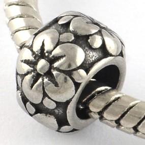 Korálek váleček s kytičkami II chirurgická ocel (1 ks)