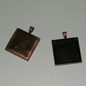 Lůžko čtverec 25x25mm ozdobné očko 1ks (staroměď)