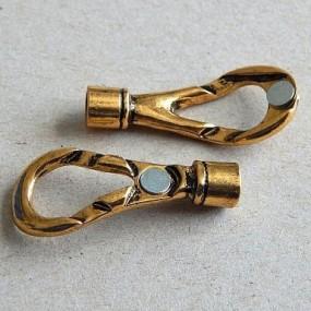 Magnetické zapínání smyčka zlatá b. (1ks)