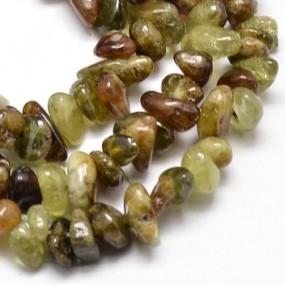 Granát zelený zlomky 5g