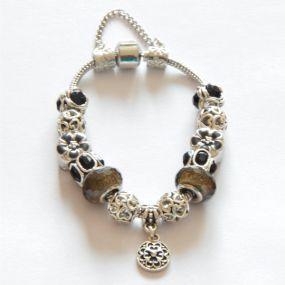 Luxusní náramek s korálky - šedý s kytičkou