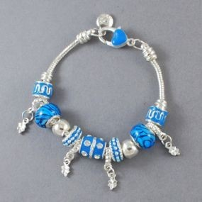 Elegantní náramek s korálky - modrý
